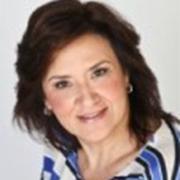 </p> <p><center>Maria Ermelinda Carrachás</center>