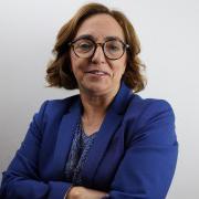 </p> <p><center>Isabel Caetano</center>